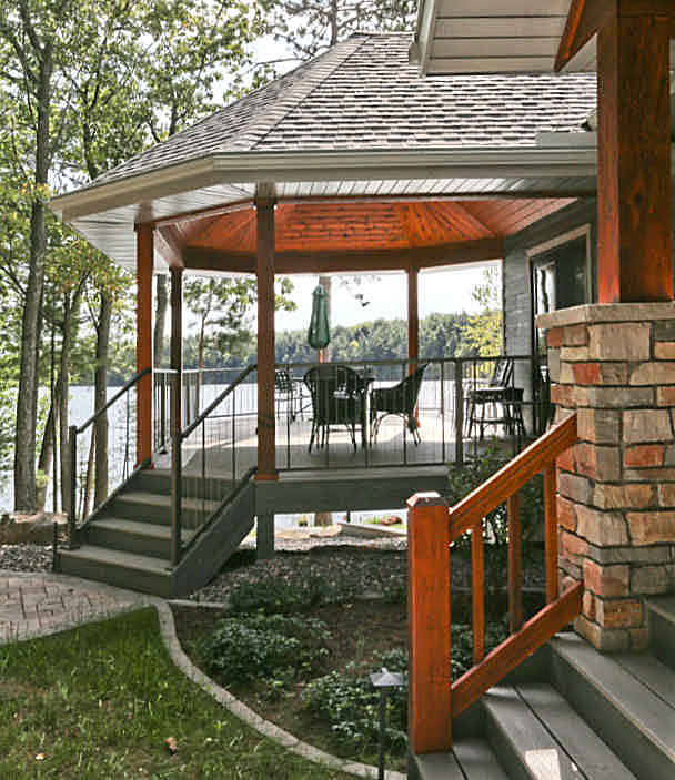 Custom home deck porch and garage construction Minocqua WI